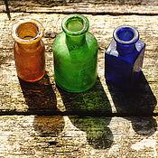 Винтаж ручной работы. Ярмарка Мастеров - ручная работа Три старинные бутылочки разноцветного стекла. Бутылочки 19 в. Handmade.