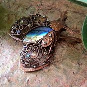 Брошь-булавка ручной работы. Ярмарка Мастеров - ручная работа Бабочка (мотылек,Бражник). Handmade.