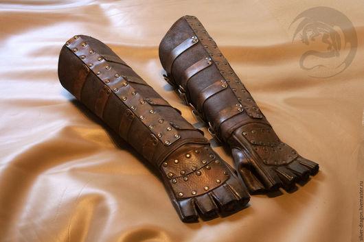 Кожаные перчатки с крагами на пряжках. Кожевенная мастерская `Silver Dragon`