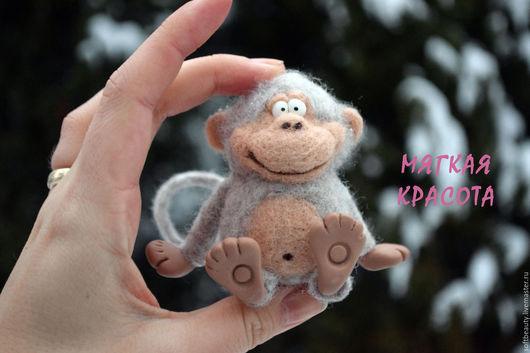 """Игрушки животные, ручной работы. Ярмарка Мастеров - ручная работа. Купить Обезьяна войлочная символ года 2016 """"Задорная обезьянка"""". Handmade."""