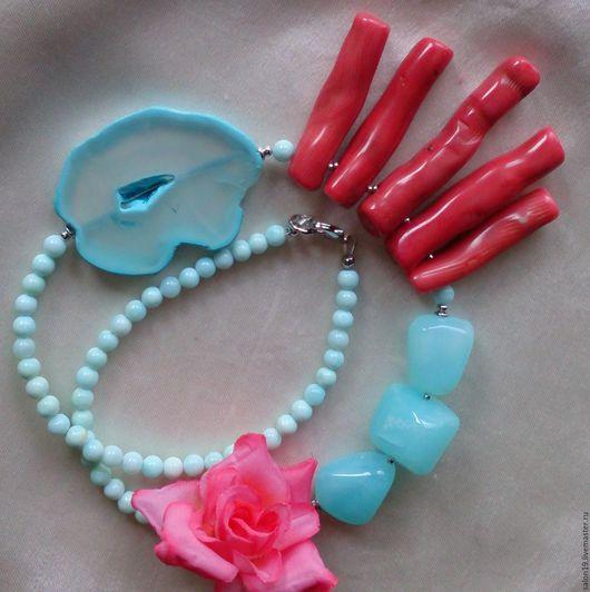 """Колье, бусы ручной работы. Ярмарка Мастеров - ручная работа. Купить Колье """" Отдых на море """" голубой опал, кораллы, агат. Handmade."""