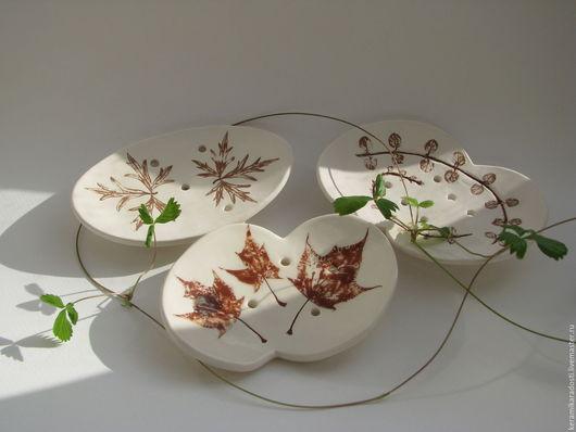 """Ванная комната ручной работы. Ярмарка Мастеров - ручная работа. Купить Мыльница """"cепия"""", керамика. Handmade. Белый, растительный мотив"""