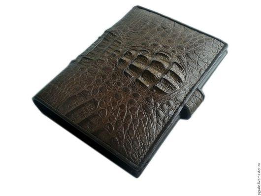 Мужское портмоне из кожи крокодила. Коричневое портмоне. Кошелек из кожи крокодила. Крокодиловый кошелек. Купить портмоне. Подарок. Подарок мужчине. Pgsale-экзотическая кожа