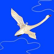 Подарки к праздникам ручной работы. Ярмарка Мастеров - ручная работа Интерьерное стеклянное украшение  -   птица Лебедь. Handmade.
