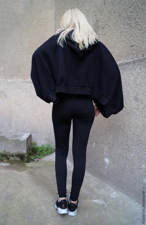 Черный свитер женский