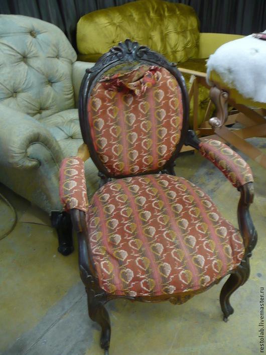 Реставрация. Ярмарка Мастеров - ручная работа. Купить Реставрация и перетяжка кресла орех 18 век.. Handmade. Коричневый, реставрация кресла