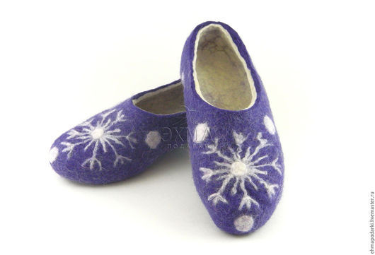 Обувь ручной работы. Ярмарка Мастеров - ручная работа. Купить Тапочки Снежинки. Handmade. Войлочные тапочки, дизайнерские тапочки