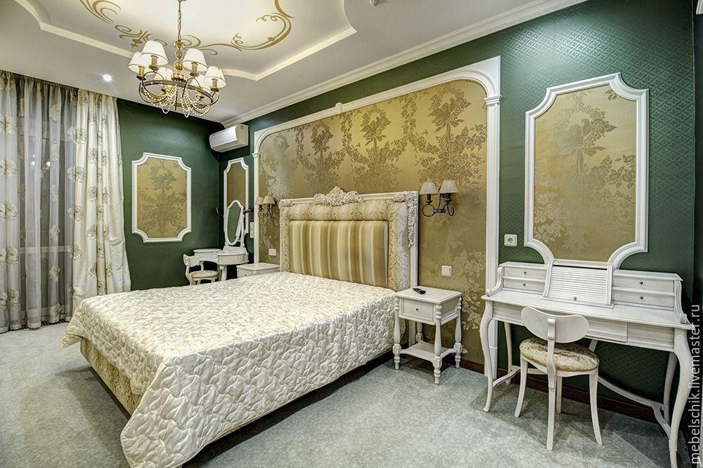 мебель из дерева для спальни и гардеробной: кровать столик туалетный, тумбы прикроватные, кресло