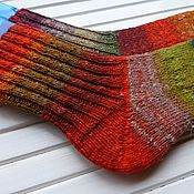 Аксессуары ручной работы. Ярмарка Мастеров - ручная работа Вязаные женские носки Red Green. Handmade.