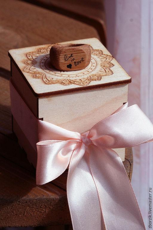 Кольца ручной работы. Ярмарка Мастеров - ручная работа. Купить live in love - перстень из дуба. Handmade. Подарок девушке