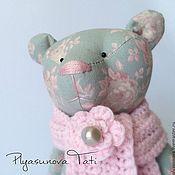 Куклы и игрушки ручной работы. Ярмарка Мастеров - ручная работа Мишка в розовом шарфе - мягкая игрушка тильда. Handmade.