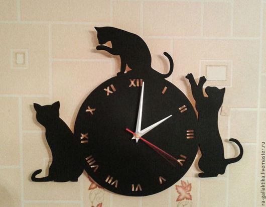 """Часы для дома ручной работы. Ярмарка Мастеров - ручная работа. Купить Часы настенные """"Кошки"""". Handmade. Часы настенные"""