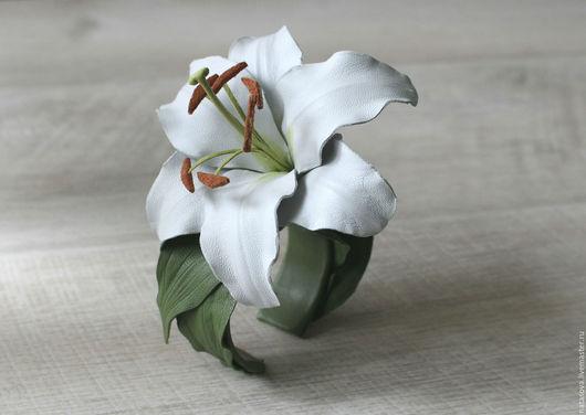 """Браслеты ручной работы. Ярмарка Мастеров - ручная работа. Купить Браслет """"Белая Лилия"""". Handmade. Белый, брошь, летнее платье"""