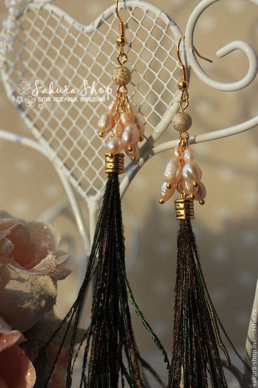 Серьги с жемчугом и перьями `Клеопатра`. Украшения ручной работы, Ярмарка Мастеров. Купить серьги из перьев. Handmade.