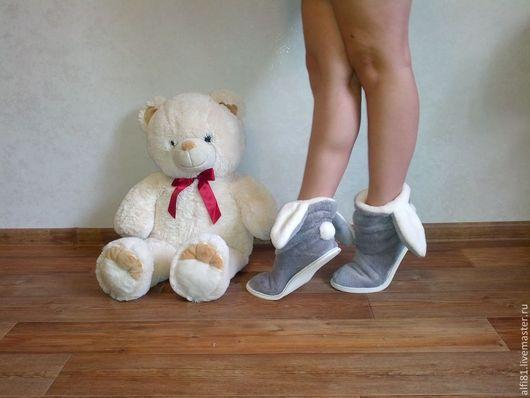 Обувь ручной работы. Ярмарка Мастеров - ручная работа. Купить Тапочки-зайчики.  Ушастик.. Handmade. Тапочки домашние, Тапочки зайчики