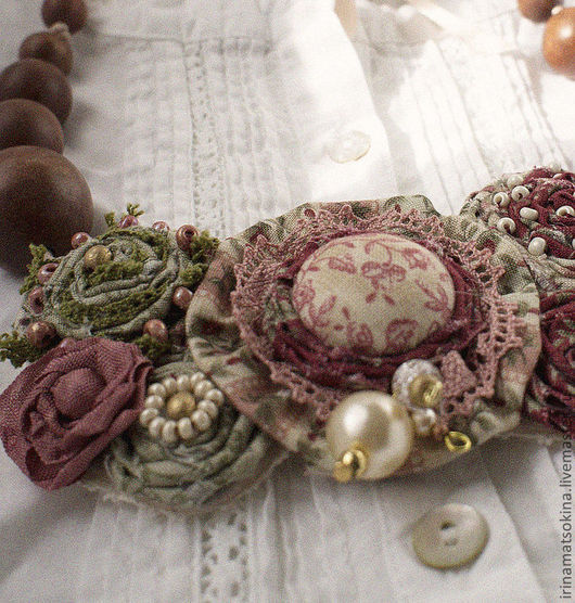 Колье, бусы ручной работы. Ярмарка Мастеров - ручная работа. Купить Колье Мареновая Роза. Handmade. Текстильное украшение, цветочный