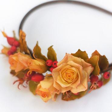 """Украшения ручной работы. Ярмарка Мастеров - ручная работа Ободок """"золотая осень"""" с розами, рябиной и шиповником. Handmade."""