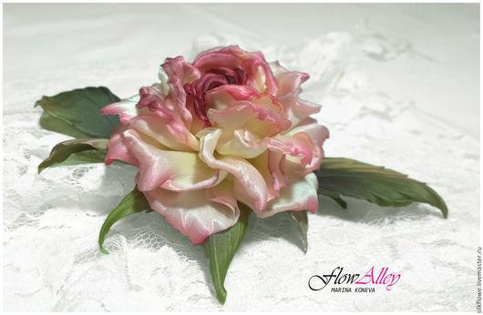 """Цветы ручной работы. Ярмарка Мастеров - ручная работа. Купить Роза из шелка  """"Dolce Vita"""" - заколка брошь. Цветы из шелка.. Handmade."""