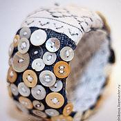 """Украшения ручной работы. Ярмарка Мастеров - ручная работа Браслет """"Пуговки и джинсы"""". Handmade."""