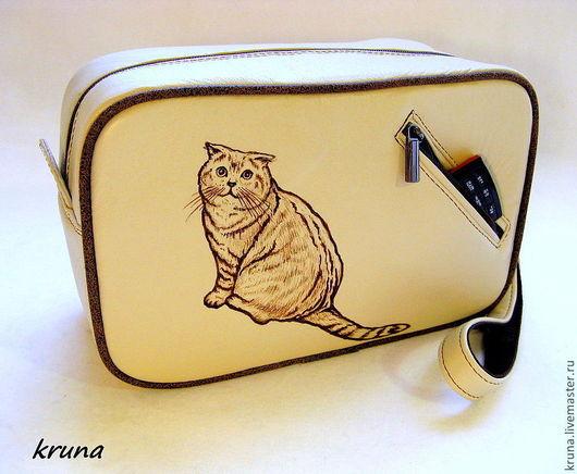 Женские сумки ручной работы. Ярмарка Мастеров - ручная работа. Купить Кожаная сумочка-барсетка Любимый кот. Handmade. Бежевый