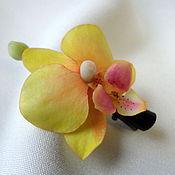 """Украшения ручной работы. Ярмарка Мастеров - ручная работа Зажим """"Орхидея желтая"""". Handmade."""