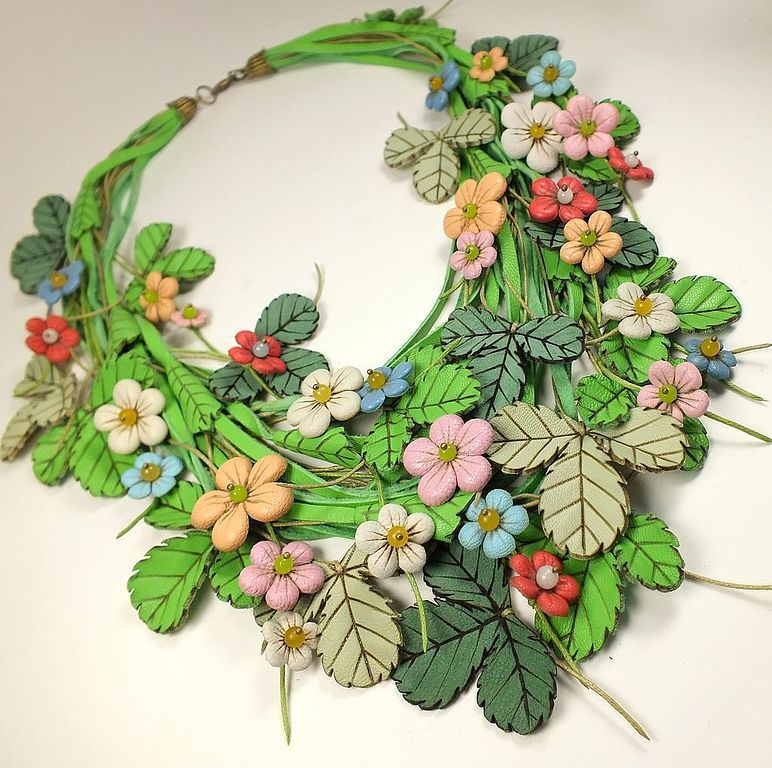 Necklaces & Beads handmade. Livemaster - handmade. Buy Strawberry Etude. necklace made of genuine leather.White, herbal