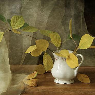 Картины и панно ручной работы. Ярмарка Мастеров - ручная работа Натюрморт Мелодия осени (осень листья ваза). Handmade.