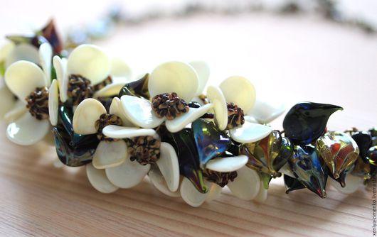 """Колье, бусы ручной работы. Ярмарка Мастеров - ручная работа. Купить Мини-колье """"Зачарованный цвет"""". Handmade. Белый, цветы"""