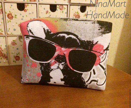 """Женские сумки ручной работы. Ярмарка Мастеров - ручная работа. Купить Косметичка """"Крутая собака"""". Handmade. Комбинированный, косметичка из ткани"""