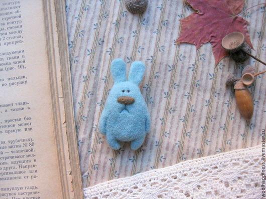 Броши ручной работы. Ярмарка Мастеров - ручная работа. Купить Кролик №14 Брошь. Handmade. Бирюзовый, зайчик, Сухое валяние