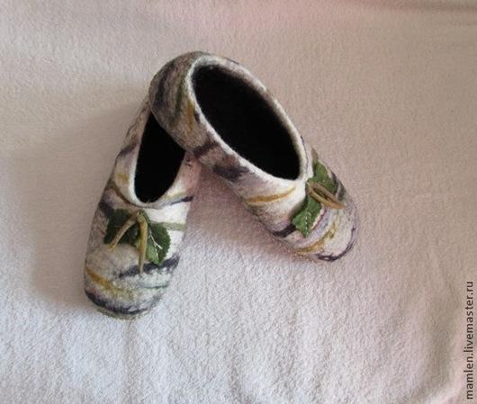 """Обувь ручной работы. Ярмарка Мастеров - ручная работа. Купить валяные тапочки """" Березка"""". Handmade. Домашние тапочки"""