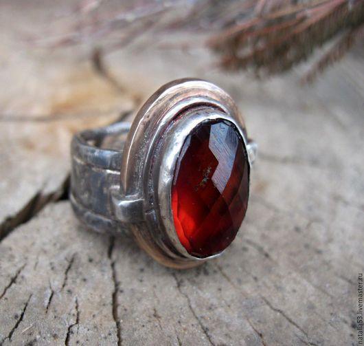 """Кольца ручной работы. Ярмарка Мастеров - ручная работа. Купить кольцо """"Неугасимый огонь"""" (гранат,серебро,бронза). Handmade. этник"""