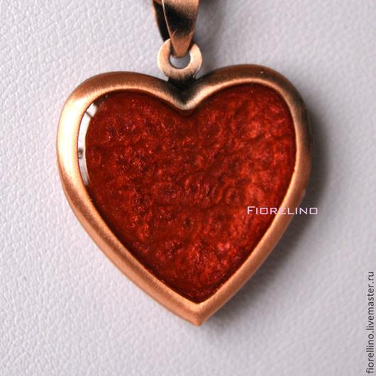 """Кулоны, подвески ручной работы. Ярмарка Мастеров - ручная работа. Купить Медальон """"сердце"""". Handmade. Ярко-красный, красный кулон"""