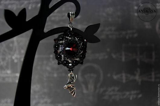 Кулоны, подвески ручной работы. Ярмарка Мастеров - ручная работа. Купить Кулон Летучая мышь с кристаллами сваровски. Handmade. Хеллоуин
