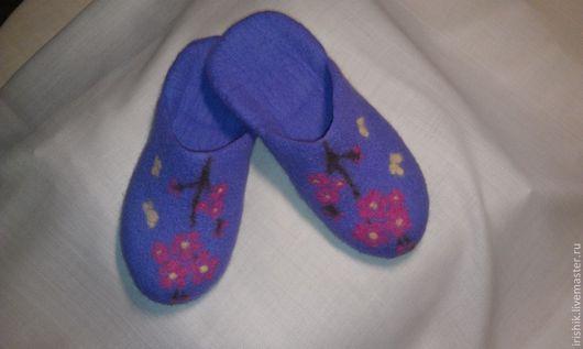 """Обувь ручной работы. Ярмарка Мастеров - ручная работа. Купить Тапочки домашние женские """"Цветение сакуры"""". Handmade. Фиолетовый"""