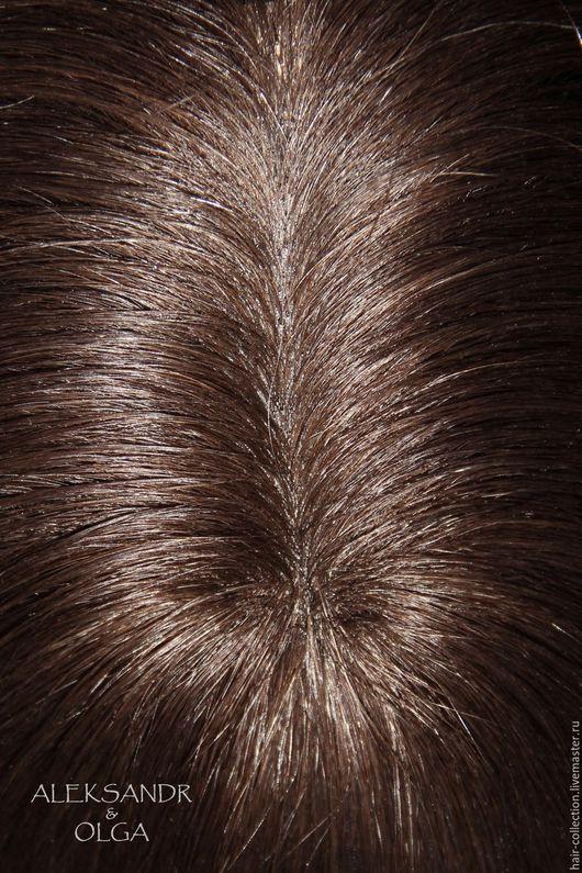 Теменная Накладка на пробор - постиж, тёмно-русые прямые волосы