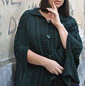 Одежда ручной работы. Ярмарка Мастеров - ручная работа Вязаное шерстяное пончо-кейп изумрудного цвета. Handmade.