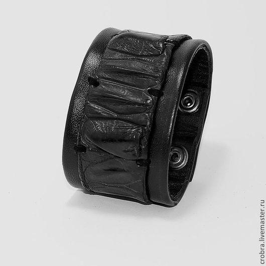 Браслеты ручной работы. Ярмарка Мастеров - ручная работа. Купить Искушение ночи кожаный браслет со вставкой кожи крокодила. Handmade.