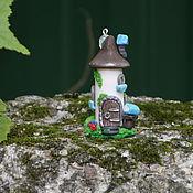 Украшения ручной работы. Ярмарка Мастеров - ручная работа Подвеска-статуэтка Буккроссинг домик с книгой. Handmade.