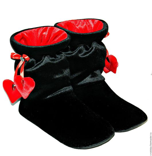 """Обувь ручной работы. Ярмарка Мастеров - ручная работа. Купить Домашние сапожки """"Валентинки"""". Handmade. Комбинированный, обувь для дома"""