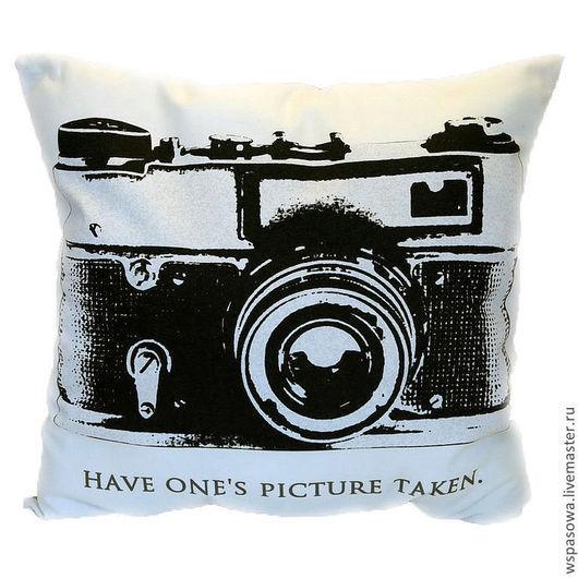 Подарки для мужчин, ручной работы. Ярмарка Мастеров - ручная работа. Купить Подушка с фотоаппаратом. Handmade. Белый, подарок мужчине