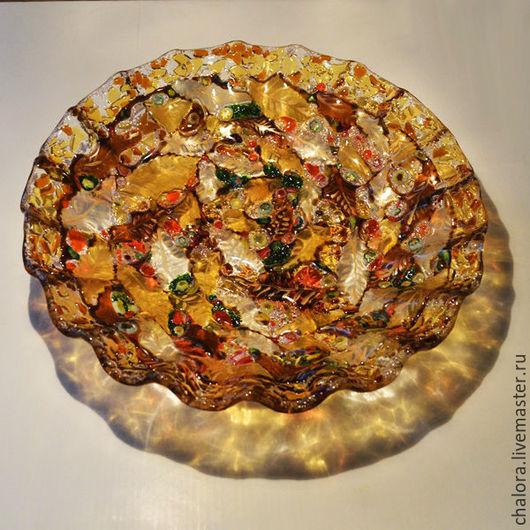 Красивое большое блюдо `Листья осеннего сада` в технике фьюзинг