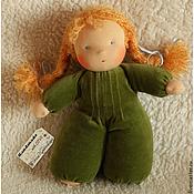 Куклы и игрушки ручной работы. Ярмарка Мастеров - ручная работа Куколка в пришивном комбинезоне (зеленая). Handmade.