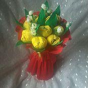 """Цветы и флористика ручной работы. Ярмарка Мастеров - ручная работа Букет из конфет """"Тюльпаны"""". Handmade."""