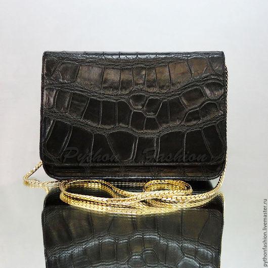 Сумочка из крокодила. Авторская сумочка из крокодила на цепочке. Вечерняя сумочка из крокодиловой кожи. Крокодиловая сумочка ручной работы. Красивая женская сумочка из кожи крокодила. Кожа крокодила.