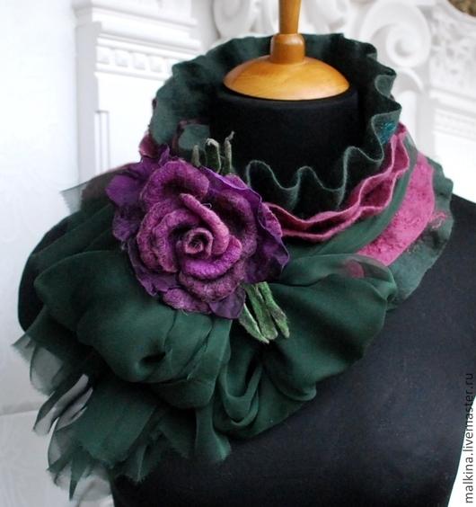 Шарфы и шарфики ручной работы. Ярмарка Мастеров - ручная работа. Купить Валяный шарф сливово-изумрудный. Handmade. Тёмно-зелёный