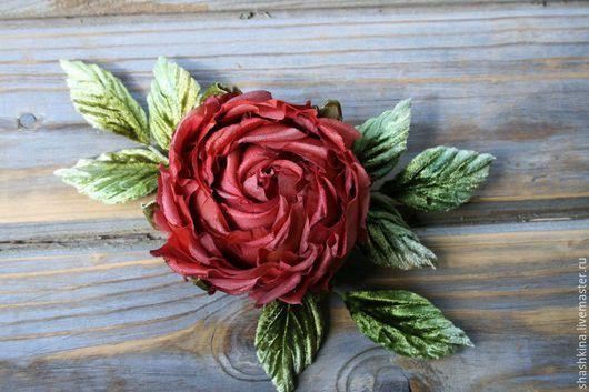 """Заколки ручной работы. Ярмарка Мастеров - ручная работа. Купить Цветы из шелка. Роза """"Simply red"""". Handmade. Бордовый"""
