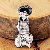 """Украшения ручной работы. Ярмарка Мастеров - ручная работа Брошь """"Велосипедистка"""". Handmade."""