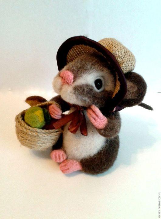 валяная мышка,ручная работа,мышка из шерсти,скульптура из шерсти,купить валяную игрушку,купить в Москве,Светлана Банкова,Москва