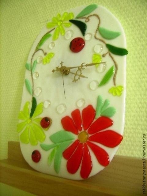 """Часы для дома ручной работы. Ярмарка Мастеров - ручная работа. Купить Фьюзинг часы """"Божьи коровки или было лето"""". Handmade."""